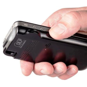 Aiptek-MobileCinema-i50S-DLP-Pico-Projector-iphone-hand